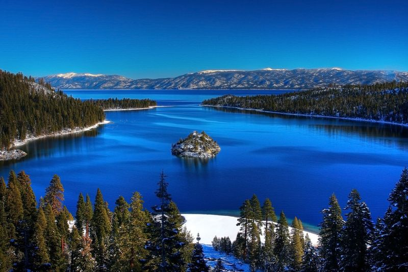 Lake-tahoe-california-and-nevada-usa-beautiful-places-to-visit