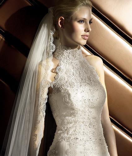 Free-crochet-flower-patterns-for-wedding-dress-7
