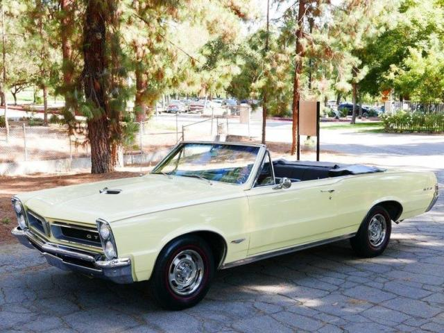 1965-pontiac-lemansgto-gto-90366-miles-yellow-convertible-389-manual-2