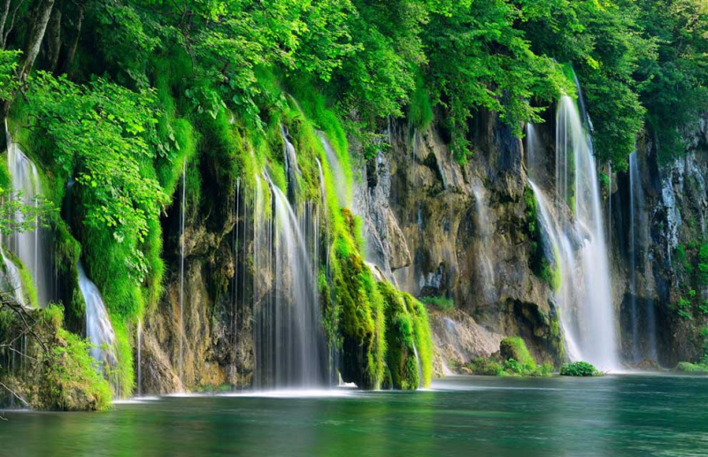 Plitvice-lakes-national-park-10